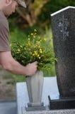 Fiore per la tomba fotografia stock libera da diritti