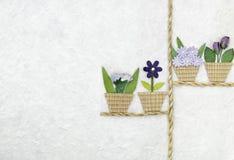 Fiore strutturato fatto a mano sulla carta del gelso Fotografia Stock