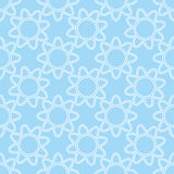Fiori bianchi lineari sul modello senza cuciture del fondo blu Sommario Fotografia Stock Libera da Diritti