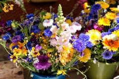 Fiori da vendere ad un mercato del fiore, San Francisco, U.S.A. immagini stock libere da diritti