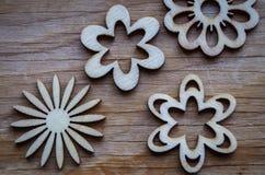 Fiori di legno immagine stock