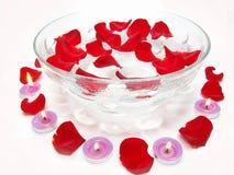 Fiori di rosa delle candele della stazione termale Fotografia Stock Libera da Diritti