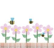 Fiori e ape nel giardino Fotografie Stock Libere da Diritti