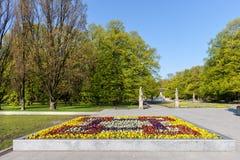 Fiori ed alberi del giardino di Saxon a Varsavia Immagini Stock