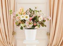 Fiori in flowerpot Fotografia Stock Libera da Diritti