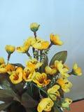 Fiori gialli artificiali Fotografie Stock