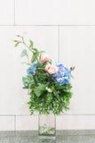 fiori nella decorazione della casa del vaso Fotografia Stock Libera da Diritti