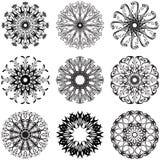 Fiori rotondi del pizzo decorativo Illustrazione Vettoriale