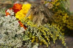 Fiori tradizionali alla festa cristiana ortodossa - Honey Spas il 14 agosto immagine stock