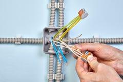 Fios de conexão com conectores pluggable fotos de stock