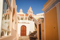 Fira在世界圣托里尼的最浪漫的海岛上的镇街道 库存图片