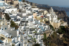 对Fira,圣托里尼海岛,锡拉,希腊镇的全景  库存图片