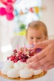 fira flicka för födelsedag henne little royaltyfri bild