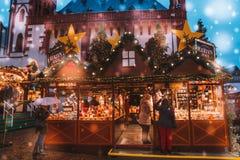 Fira helgdagsafton för nya år lyckliga ferier Royaltyfria Bilder