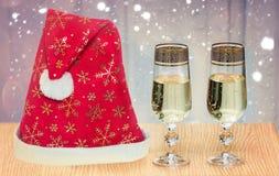 Fira jul samman med Santa Claus Arkivfoton