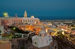 Fira-Panorama bei Santorini, Griechenland nachts 3 Lizenzfreie Stockfotografie