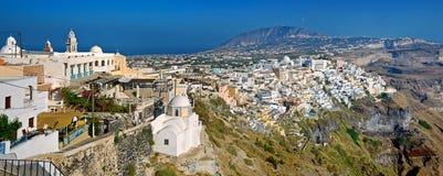 Fira panorama 4 på Santorini, Grekland Royaltyfri Bild