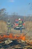 Fire-engine και πυροσβέστες 1 Στοκ Φωτογραφίες
