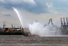 Fireboat в Гамбурге Стоковая Фотография RF