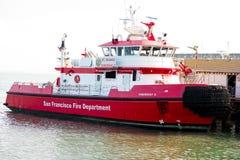 Fireboat отделения пожарной охраны Сан-Франциско Стоковая Фотография