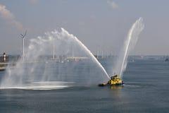 Fireboat Royaltyfri Bild