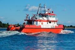 Fireboat in corso sulla baia del ` s Shilshole di Seattle Immagine Stock Libera da Diritti