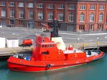 Fireboat in Haven stock afbeeldingen