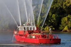 Fireboat sul fiume di Potomac fotografia stock