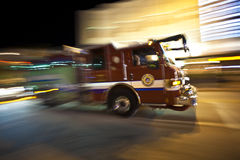 Firebrigade i handling Arkivfoto
