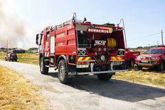 Firefighters fighting a huge bushfire in Portugal Royalty Free Stock Images