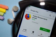 Firefox Browser fast & private dev app with magnifying on Smartphone screen. BEKASI, WEST JAVA, INDONESIA. DECEMBER 27, 2018 : Firefox Browser fast & private dev stock images