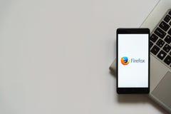 Firefoxembleem op het smartphonescherm Royalty-vrije Stock Fotografie