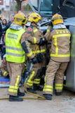 Fireman'stentoonstelling op dorp Palamos Geïmiteerd autoongeval, met één gelaedeerde 10 maart, 2018, Spanje Stock Afbeeldingen
