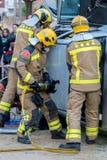 Fireman'stentoonstelling op dorp Palamos Geïmiteerd autoongeval, met één gelaedeerde 10 maart, 2018, Spanje Royalty-vrije Stock Fotografie