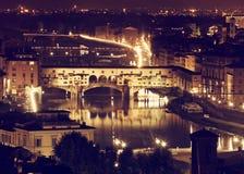 Firenze, Arno River e Ponte Vecchio di notte Fotografia Stock Libera da Diritti