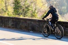 Firenze, Itali 02 04 2018: ciclista che si prepara in salita fotografia stock