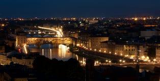 Firenze, Ponte - Vecchio Panorma, Stary most nocą Fotografia Royalty Free