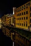 Firenze vid natt royaltyfria bilder