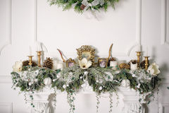 Fireplace decorated with Christmas decorations Royalty Free Stock Photos