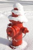 fireplug κόκκινο χιόνι Στοκ φωτογραφία με δικαίωμα ελεύθερης χρήσης