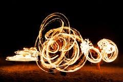 Fireshow на пляже стоковое изображение rf