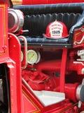 Firetruck de cru images libres de droits