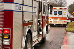 Firetruck et ambulance Image libre de droits
