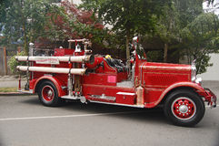 Firetruck rouge brillant photographie stock libre de droits