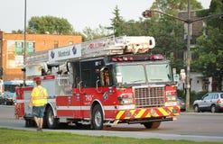 Firetruck sur la rue Photographie stock