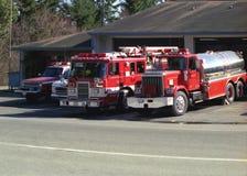 Firetrucks an der Station Stockbild