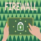 Firewall för textteckenvisning Begreppsmässigt foto att skydda nätverket eller systemet från obehörigt tillträde med firewallen royaltyfria foton