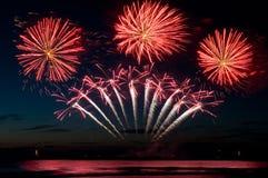 fireworkexplosions czerwoni Fotografia Stock