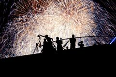 Free Fireworks And People Silhouette Stock Images - 174509294