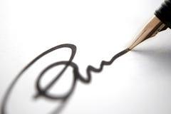 Firma del asunto - carta Fotos de archivo libres de regalías